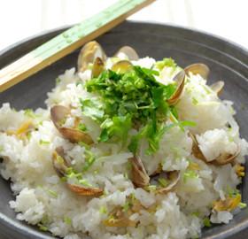 土鍋で炊飯☆あさりと大根の深川飯