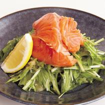 づけサーモンの水菜サラダ