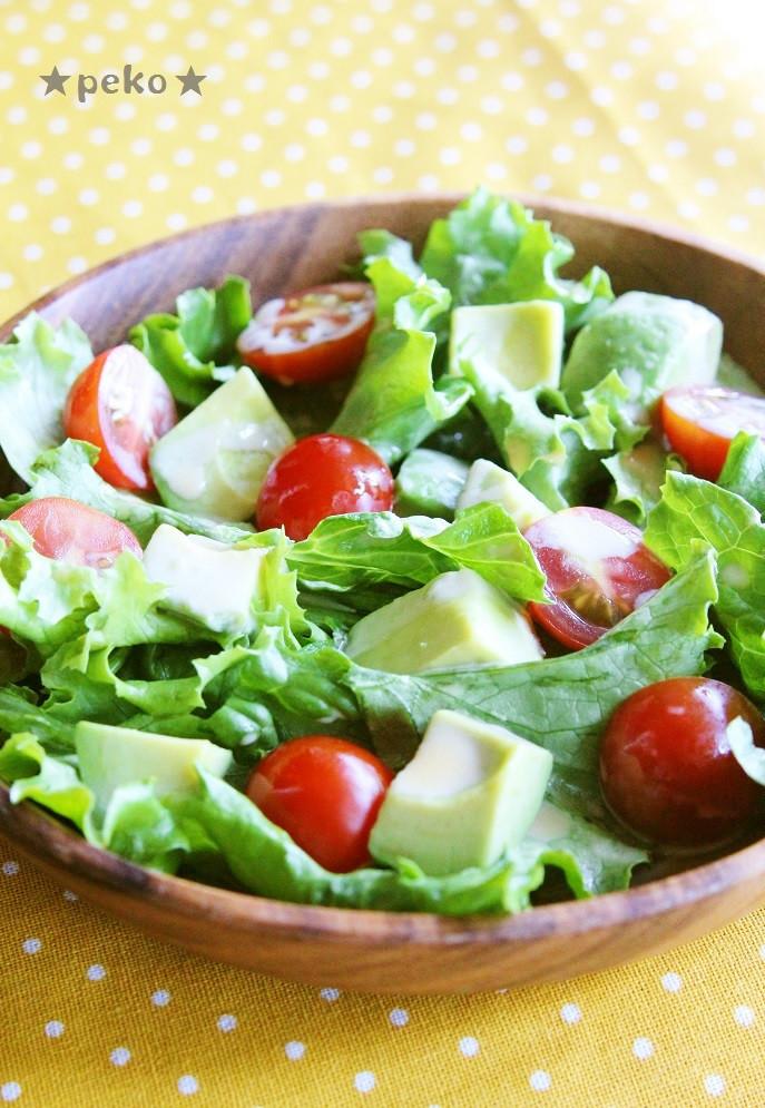 簡単☆アボカドとトマトのグリーンサラダ☆