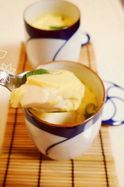 簡単に料亭の味♪とうふの入った茶碗蒸