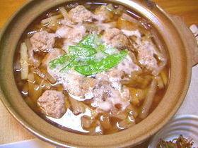 安い食材で旨い!豚肉団子と大根の中華鍋