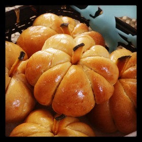 ハロウィンにも★簡単かぼちゃパン