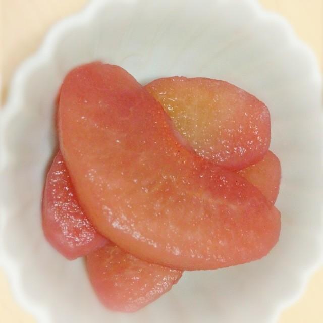 梨の赤ワインコンポート