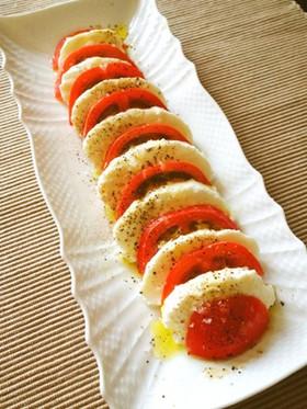 トマトとモッツァレラのカプレー...