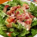 グリーンリーフとベーコンのサラダ