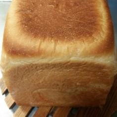 角形のほの甘い食パン