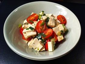 豆腐とトマトと青ネギのサラダ