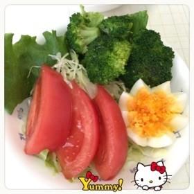 基本…塩茹でブロッコリ〜(o˘◡˘o)♡