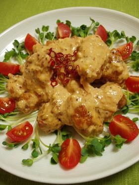 中華風卍鶏唐揚のオーロラチリソース