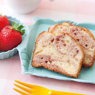 いちごのマーブルケーキ