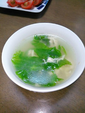 硬い葉でも美味しく♪レタスのスープ