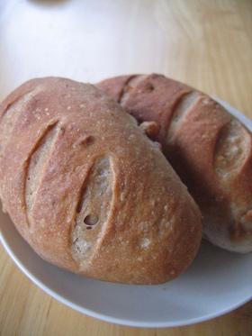 パネトーネマザーで くるみフランスパン