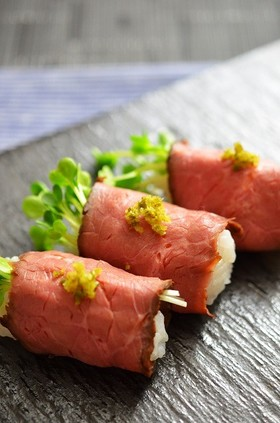 超簡単に作れる!ローストビーフ寿司