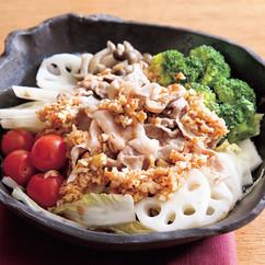 レンジ蒸し豚と野菜の香味だれがけ