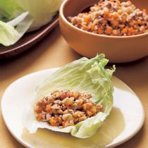 大豆とひき肉のレタス包み