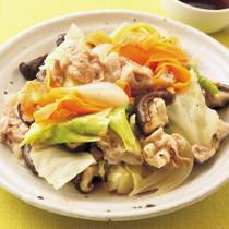 豚肉とたっぷり野菜のフライパン蒸し