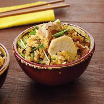 豚肉と里いものひじき炊きこみご飯