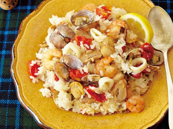 魚介とミニトマトのパエリア風炊きこみご飯