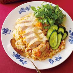 蒸し鶏とにんじんのシンガポール風炊きこみご飯