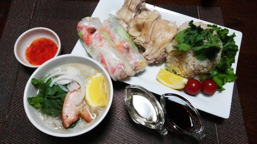 湯で鶏と海南チキンライス
