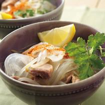 タイ風鶏だし汁うま辛麺