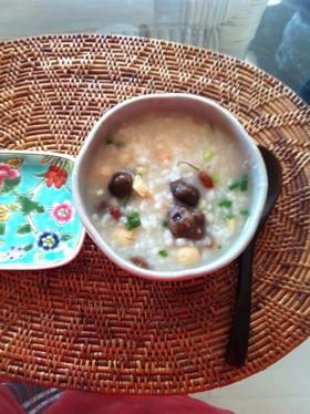 海老とむかごと蓮の実の中華粥