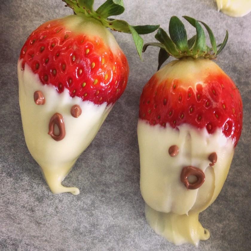 イチゴのお化け