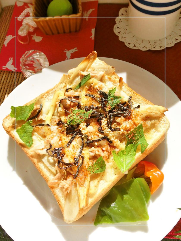 ツナごぼうの胡麻塩昆布和トースト