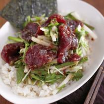 香味野菜のまぐろづけ丼