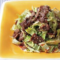 キャベツと焼き肉のおかずサラダ