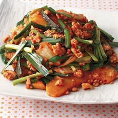 鶏ひき肉とかぼちゃのキムチ炒め