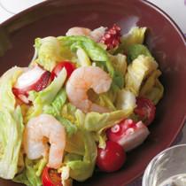 キャベツと魚介のごちそうサラダ