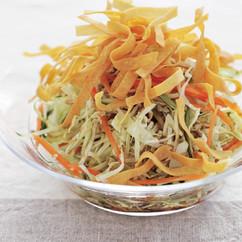 せん切り野菜のゆずこしょうサラダ