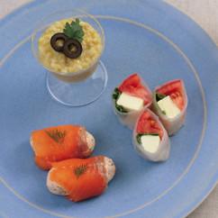 焼きなすのヨーグルトサラダ(写真奥)