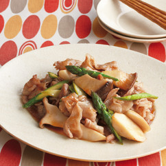 豚肉とアスパラの黒酢炒め