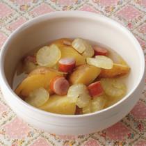 新じゃがとソーセージのスープ煮