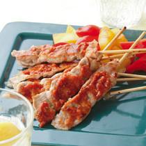 豚肉とパプリカのエスニック串焼き