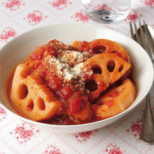 れんこんと手羽先のトマト煮