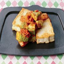 豆腐ステーキ アボキムチソース