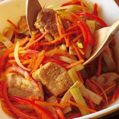 たっぷり野菜と豚肉のマリネサラダ