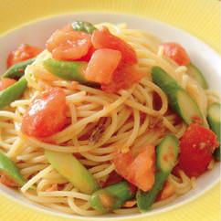 アスパラとトマトのアンチョビーパスタ