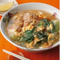 青梗菜と鶏だんごのエスニックスープ煮