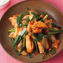 鶏肉とにらのキムチ炒め