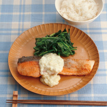 鮭のソテーガーリッククリームソース