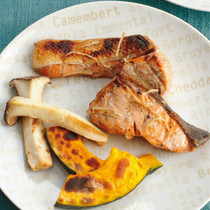 鮭のジンジャーマリネ焼き