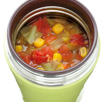 キャベツとコーンのトマトスープ