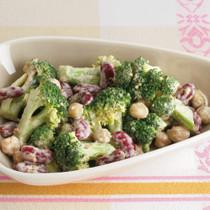 ブロッコリーと豆のごまマヨサラダ