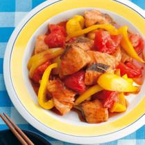 鮭とトマトのオイスターソース炒め