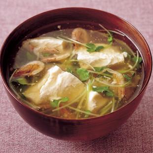 くずし豆腐と貝割れのとろみ汁