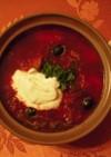 牛骨付きスープのボルシチを大鍋で!